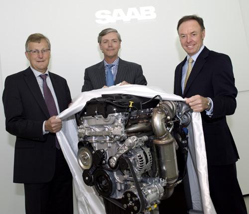 Jan Ake Jonsson & Victor Muller of Saab with Ian Robertson of BMW - Saab & BMW Engine Agreement
