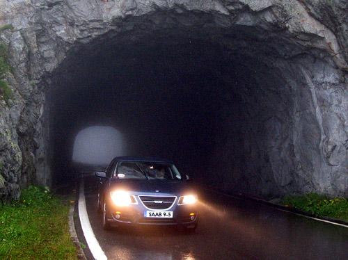 2010 Saab 9-5 road trip - tunnel and mist 500